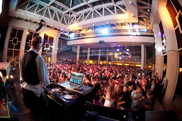 DJing at Art Mixx Maui